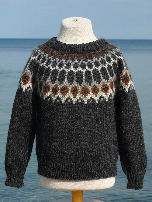 Pura Lana: Isflage Sweater barn